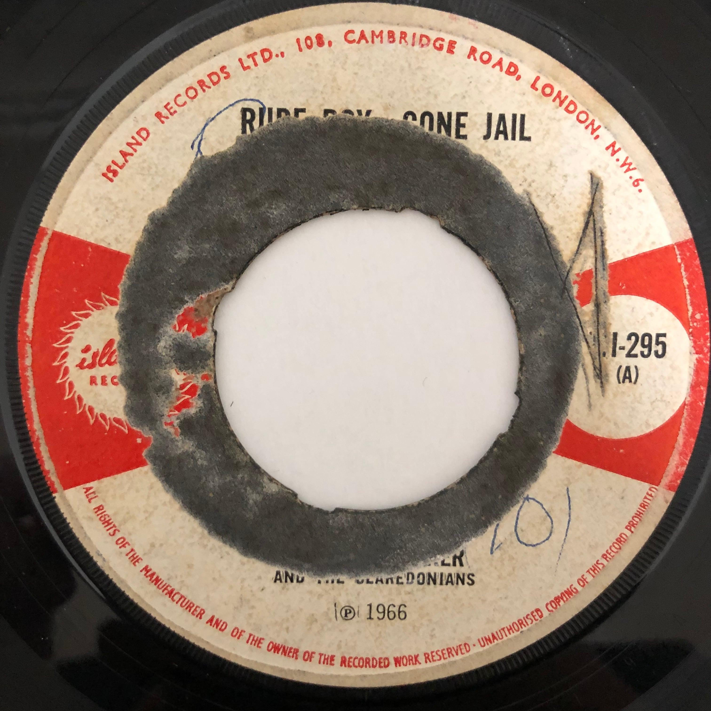 Desmond Baker, The Claredonians - Rude Boy Gone Jail【7-20482】