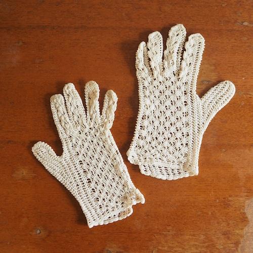 レース編みの手袋
