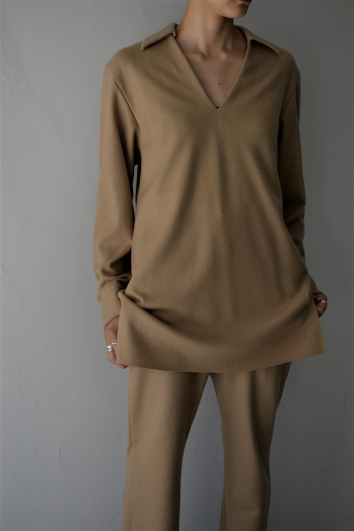 UNDECORATED / S140 KNIT WOOL TOP (camel)