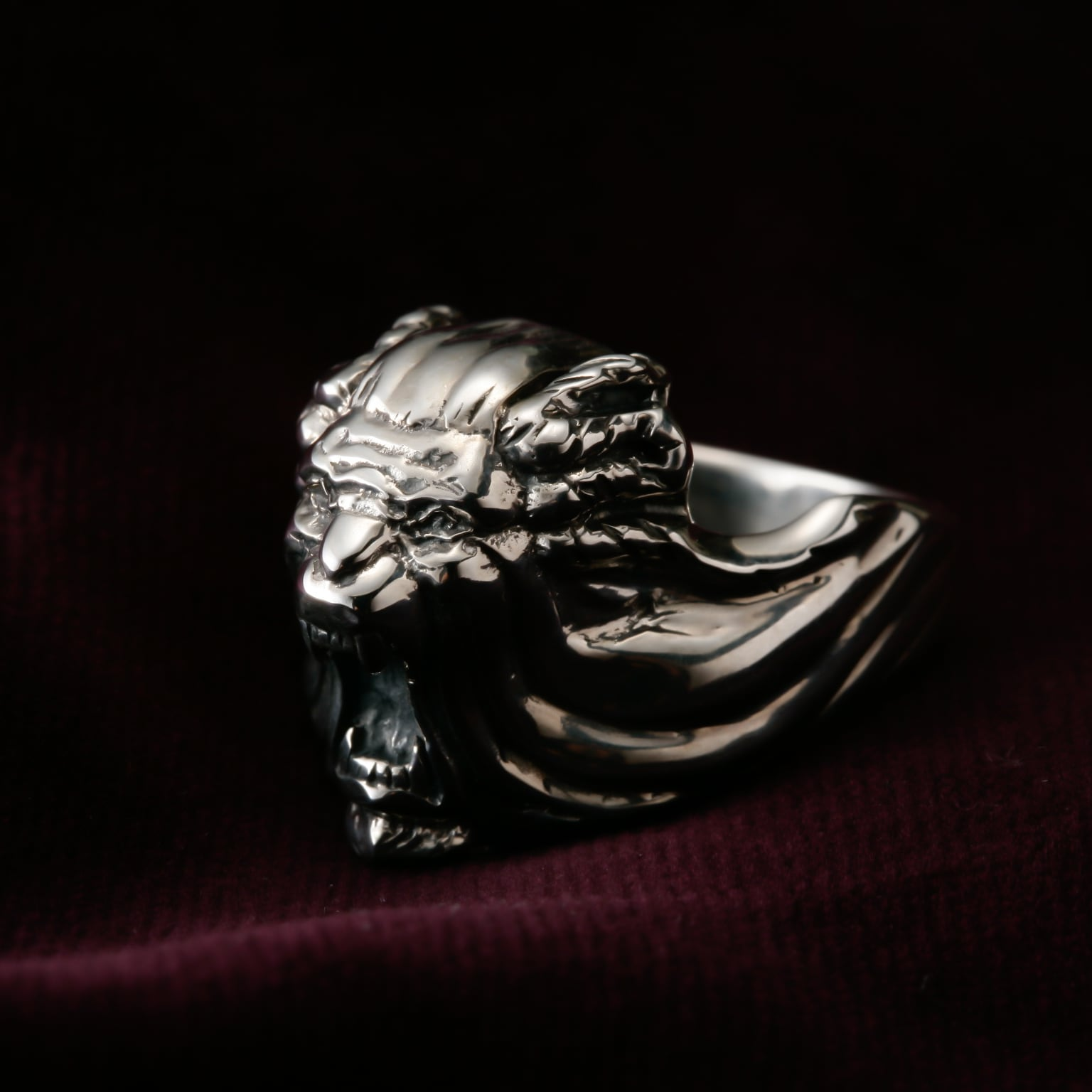 Bow of a pirate boat Ring