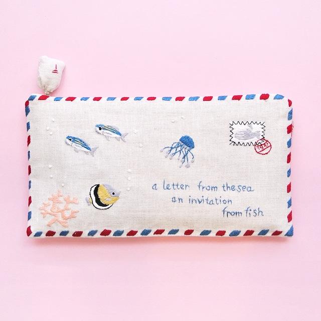 《魚》 ポーチ エアメール 海からの手紙 ハンドメイド 手刺繍