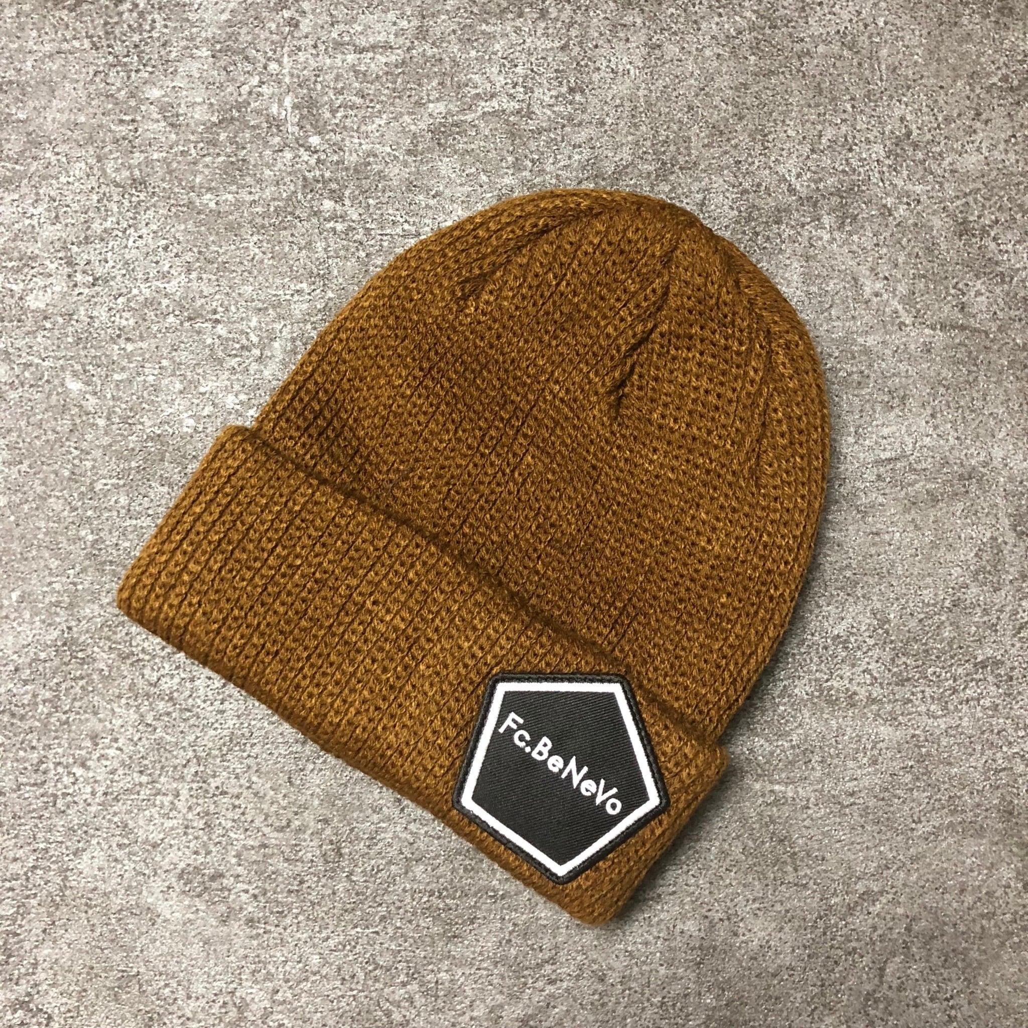 PENTAGON EMBLEM KNIT CAP (BROWN)