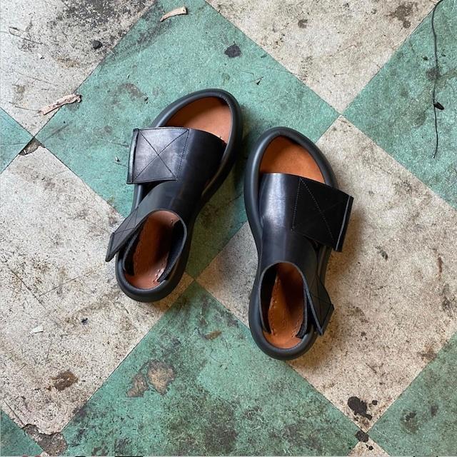 【MIDORIKAWA RYO】Sandal /Black.Black