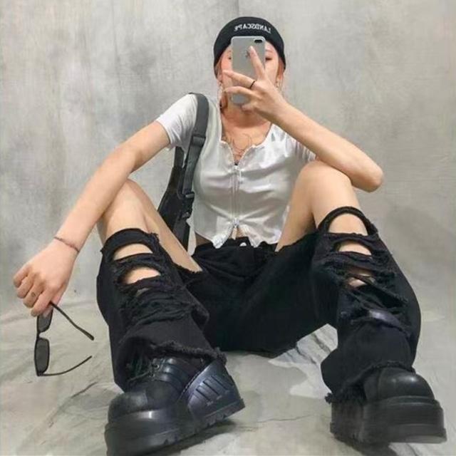 【ボトムス】デニム個性的ファッションダメージ加工パンツ46259451