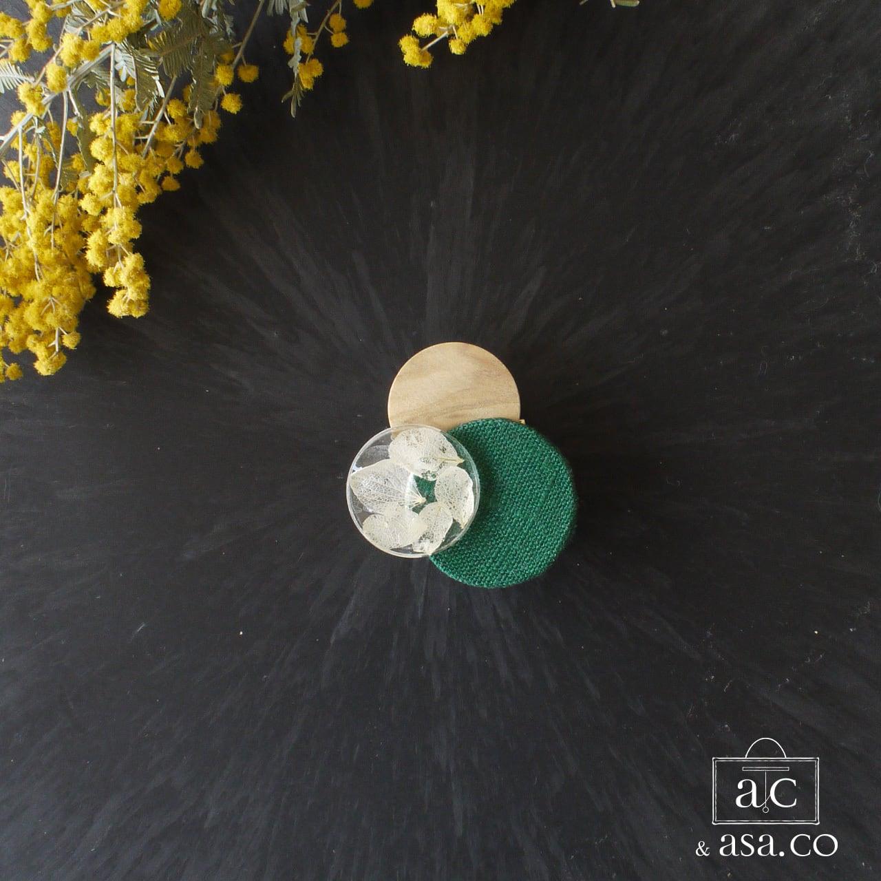 どんなお洋服にも似合う!シンプルフォルム インアリウム&ウッド&麻のブローチ〈 Dots 〉Botanical