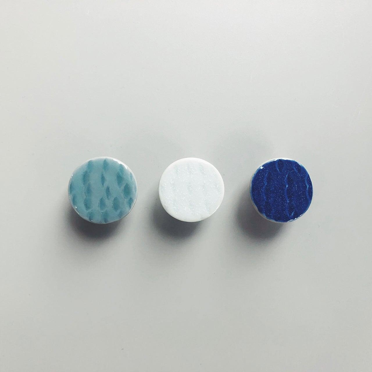 円 / ブローチ M