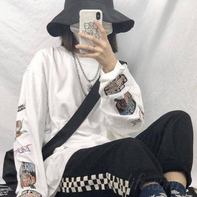 【トップス】学園風アップリケラウンドネックカートゥーンTシャツ27011217