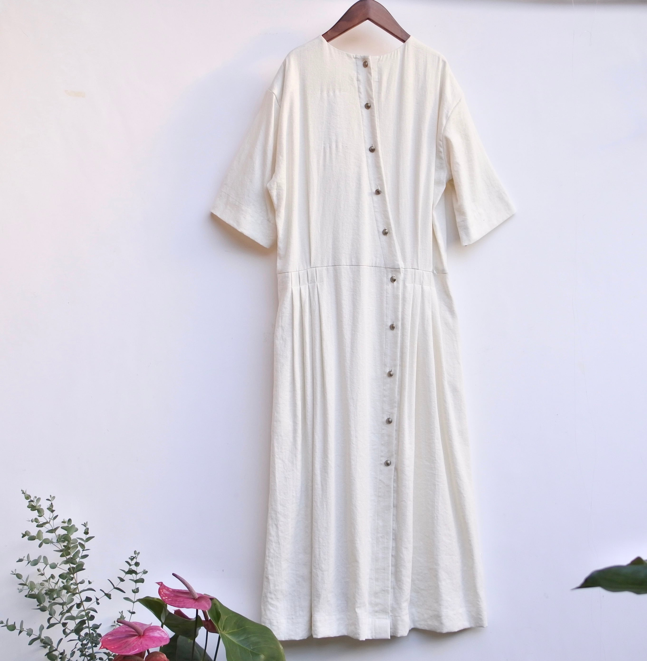 the last flower of the afternoon/月暈のtucked dress/charcoal
