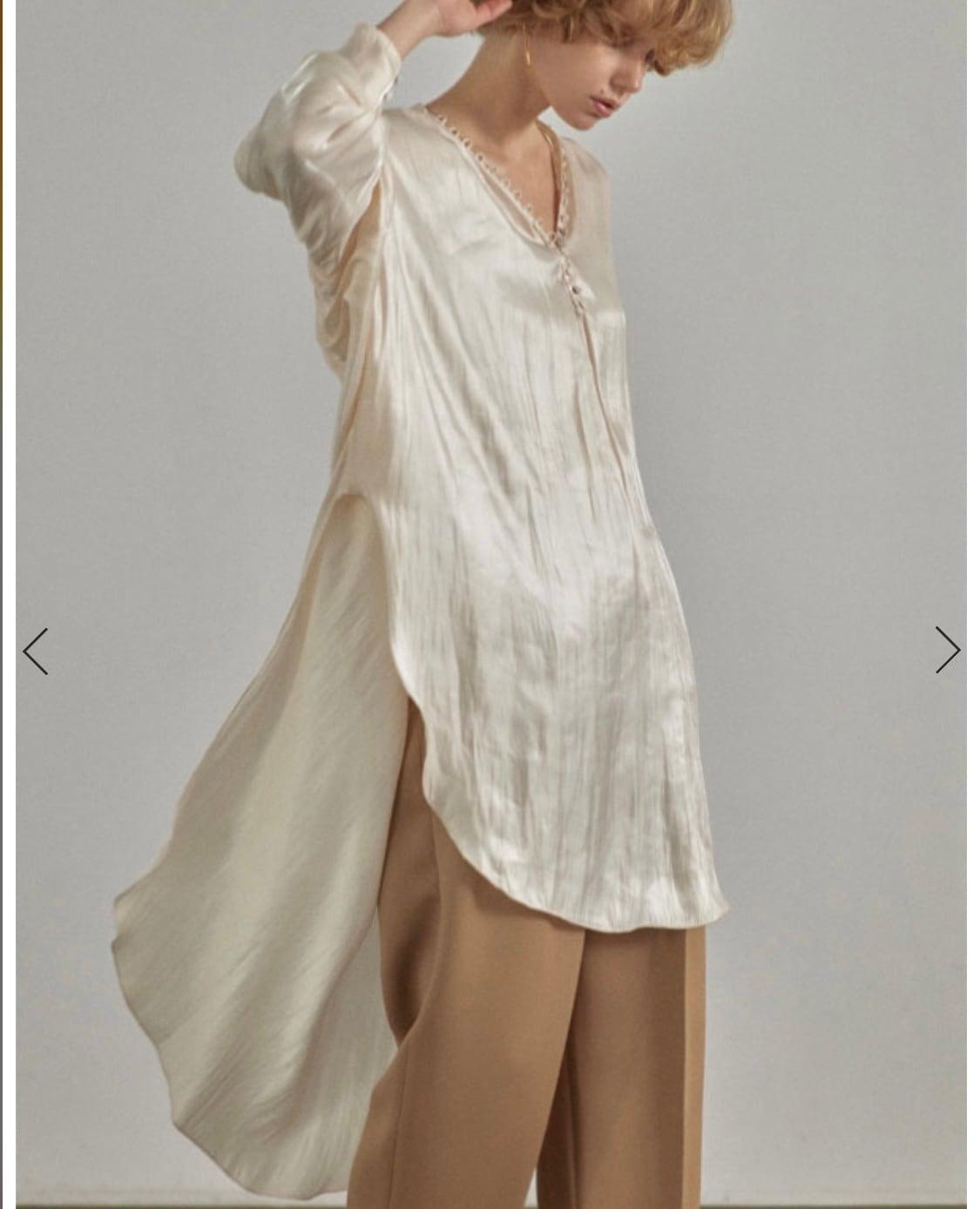 ETRE TOKYO シャイニーフレアロングシャツ