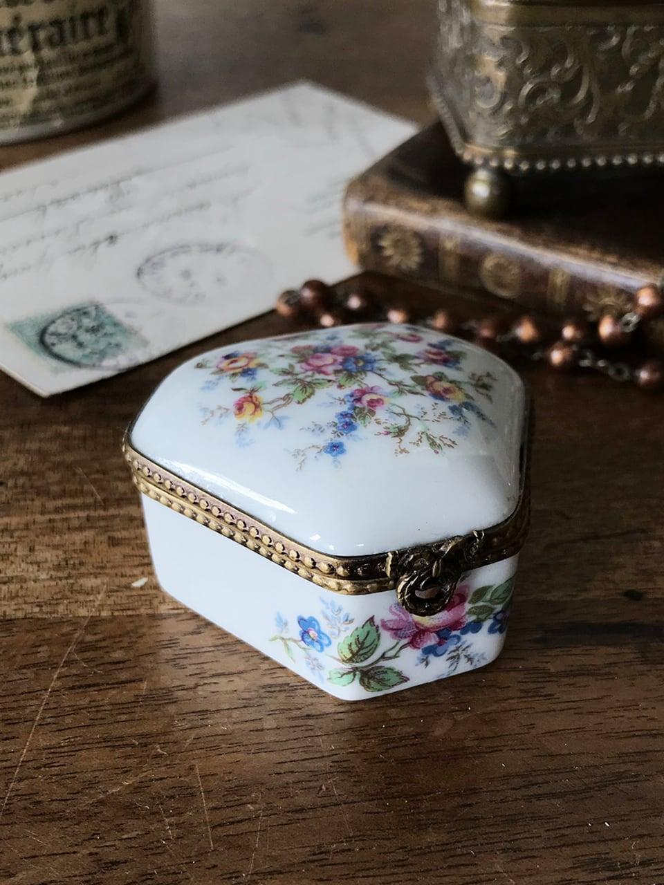 トリンケットボックス リモージュ磁器 小箱