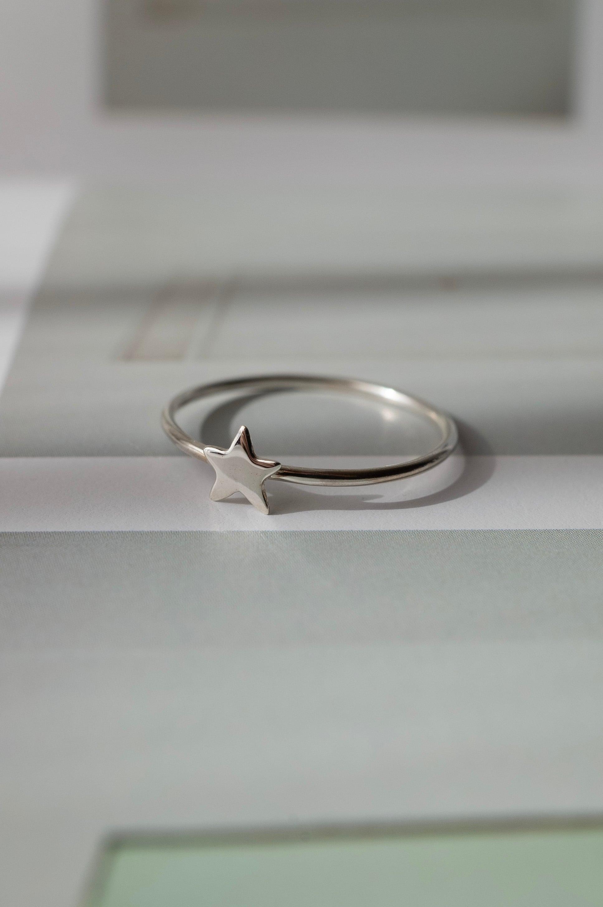 Tiny Star Ring Silver - 006