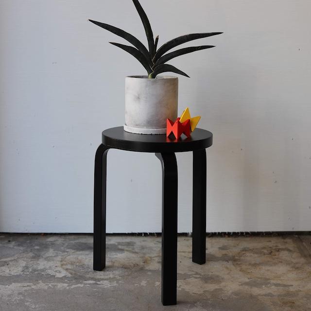 artek stool 60 black lacquer