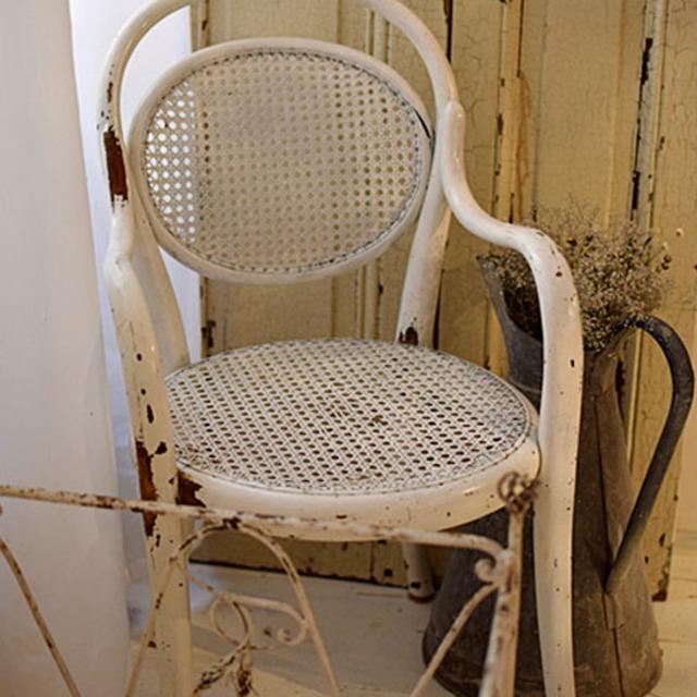 フランス 白シャビーキッズチェア 子供椅子