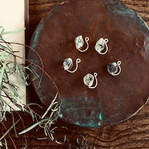 Owly.Pakistan quartz earring /Single