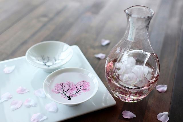 『冷酒カラフェ』 『春セット』 『冷感桜ペア』 +『花の彩』 *春 桜 グラス 花見 ペアセット 贈り物 温度変化 日本酒 乾杯 記念 ギフト プレゼント お祝い