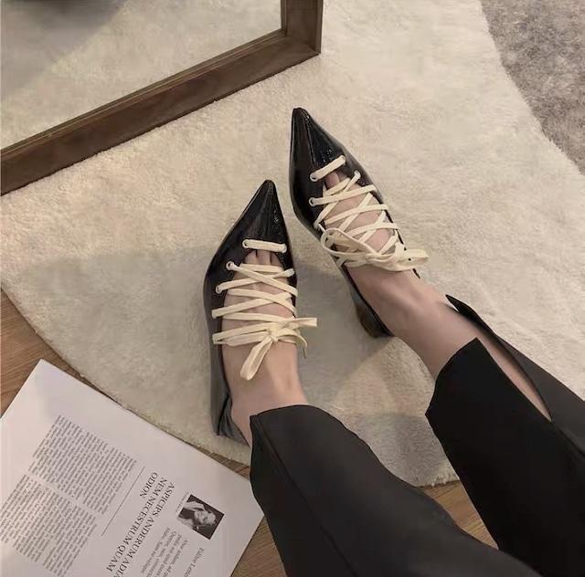 cross ribbon shoes