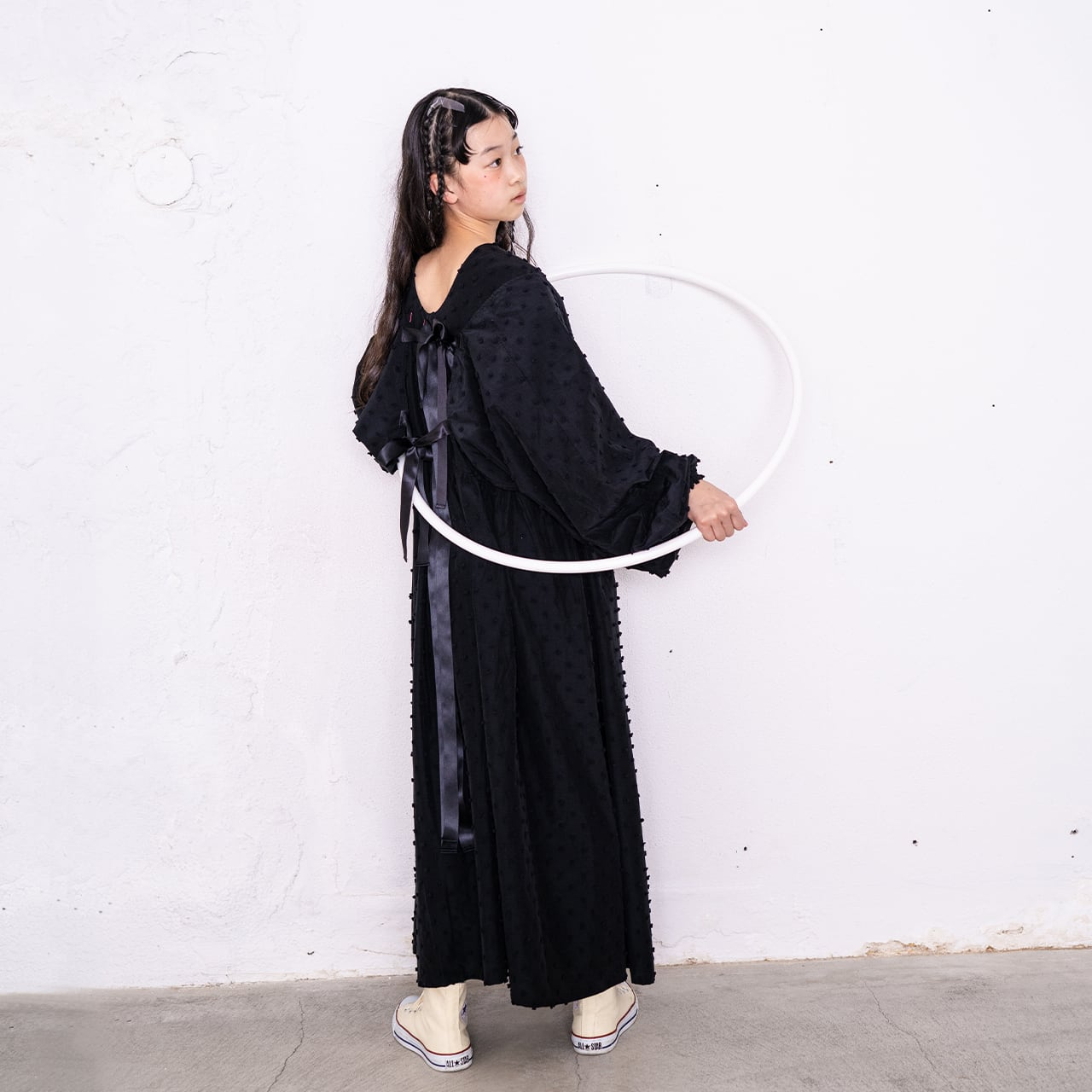 BONBON CUT JQ BACK SHAN RIBBON DRESS / WOMEN