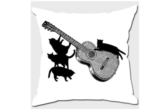 ギターと黒猫のクッションカバー