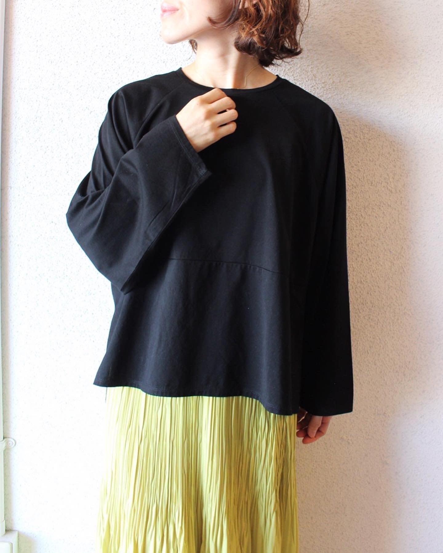 Commencement(コメンスメント)/ ワイドクルーネックロングTシャツ
