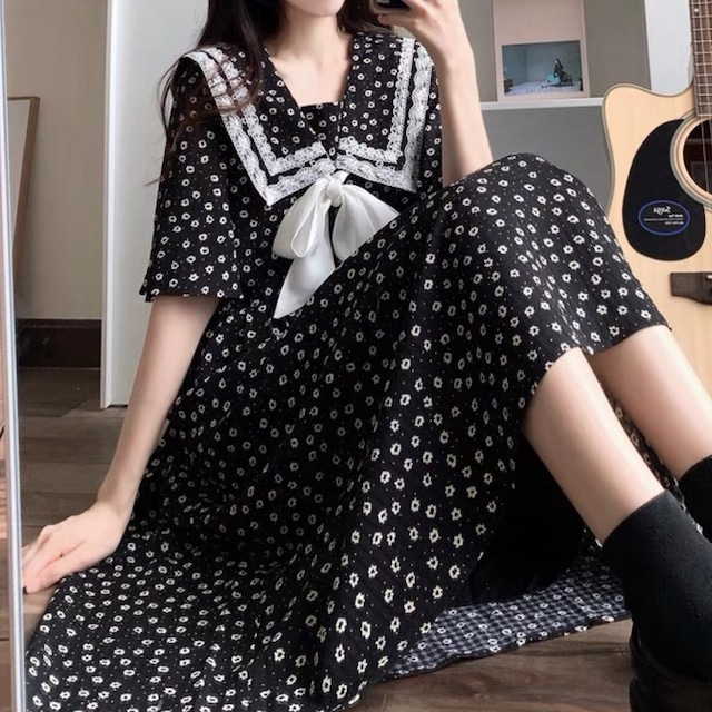 フレンチガーリー♡花柄セーラーカラーワンピース B0560