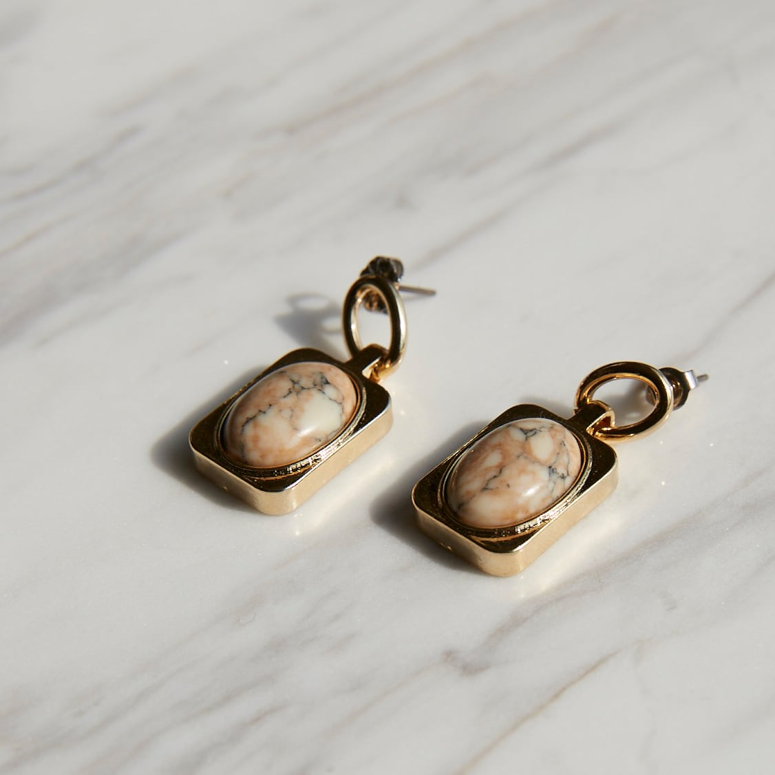 nim-6 Pierced earring
