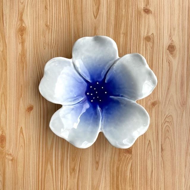 【有田焼】ルリ流し 花型深皿【在庫限り】