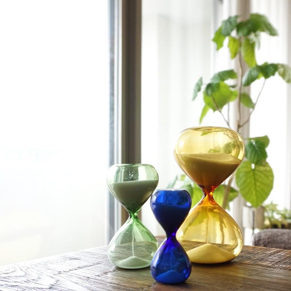 窓から差し込む光を楽しむ5分。砂時計 M