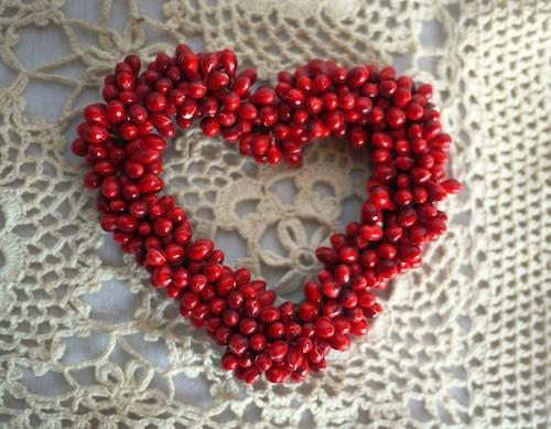 赤い実のハート型オーナメント 手作り 手芸造花 トロッケンゲビンデ