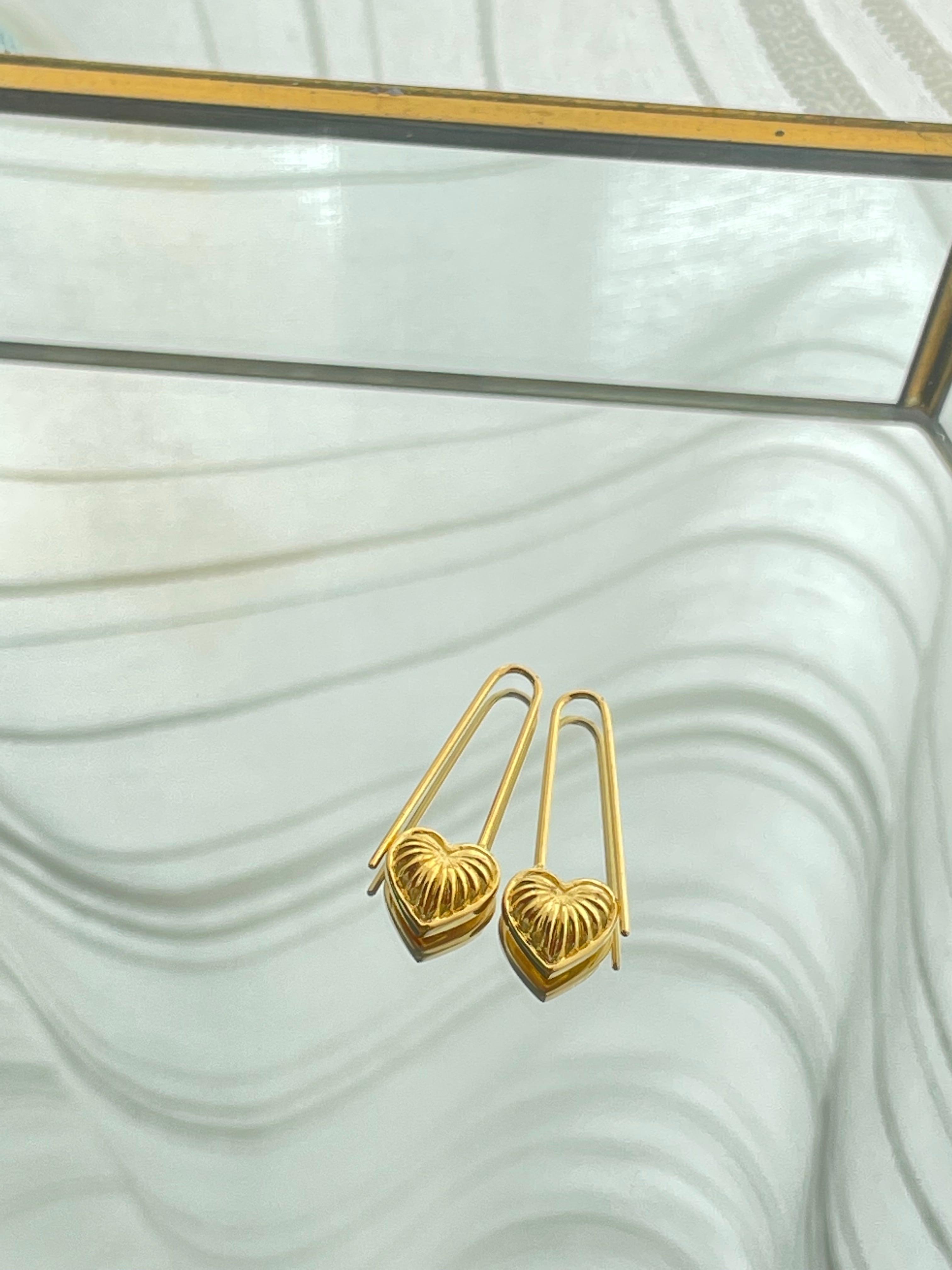UCE-33G Eternal Heart pin Earrings
