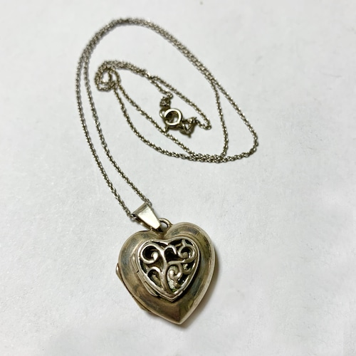Vintage Heart Shaped Silver 2 Openings Locket Pendant  Necklace