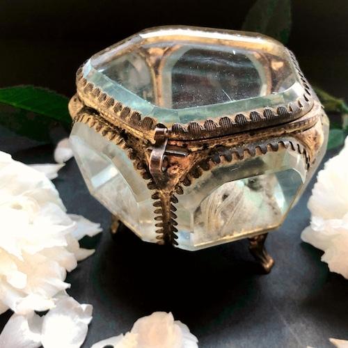 クリスタルガラスの宝石箱