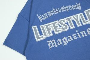 LIFESTYLE MGZN CREW TEE [SLATE]