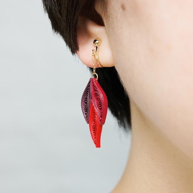 片耳0.4g♪フォックステイルイヤリング・ピアス[レッド] , ペーパークイリングの軽いイヤリング・軽いピアス