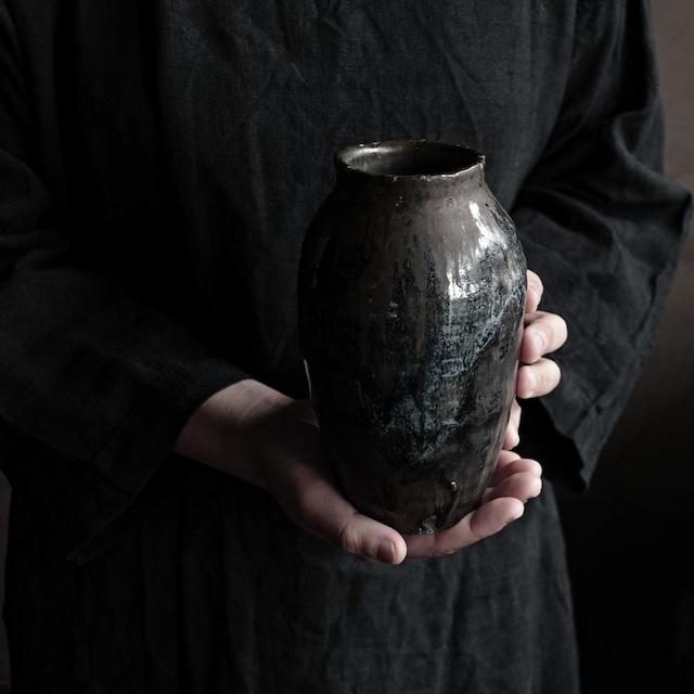 鉄釉花器 uchida yoshimi