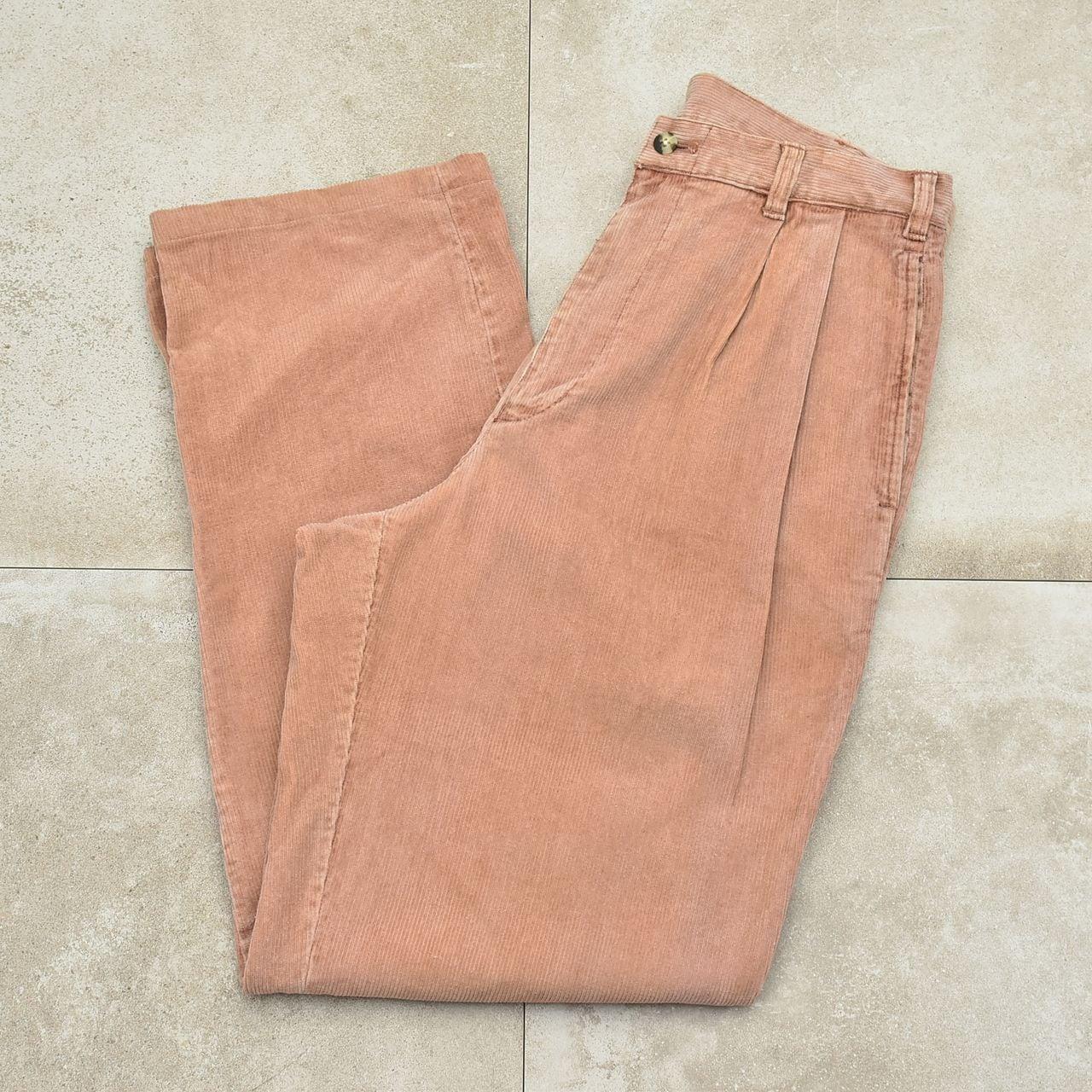 Subdued color 2tuck corduroy pants