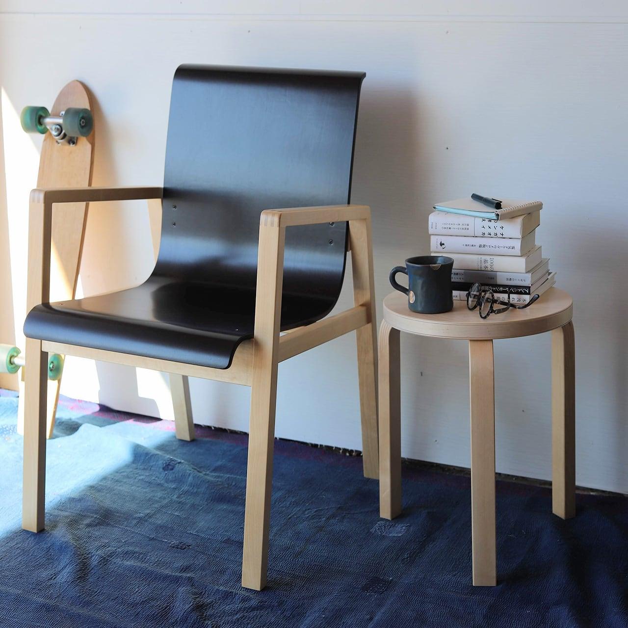 artek armchair 403 hallway