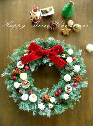 ホワイト&レッド&木の実のフロッキーグリーンのクリスマスリース~ミドル