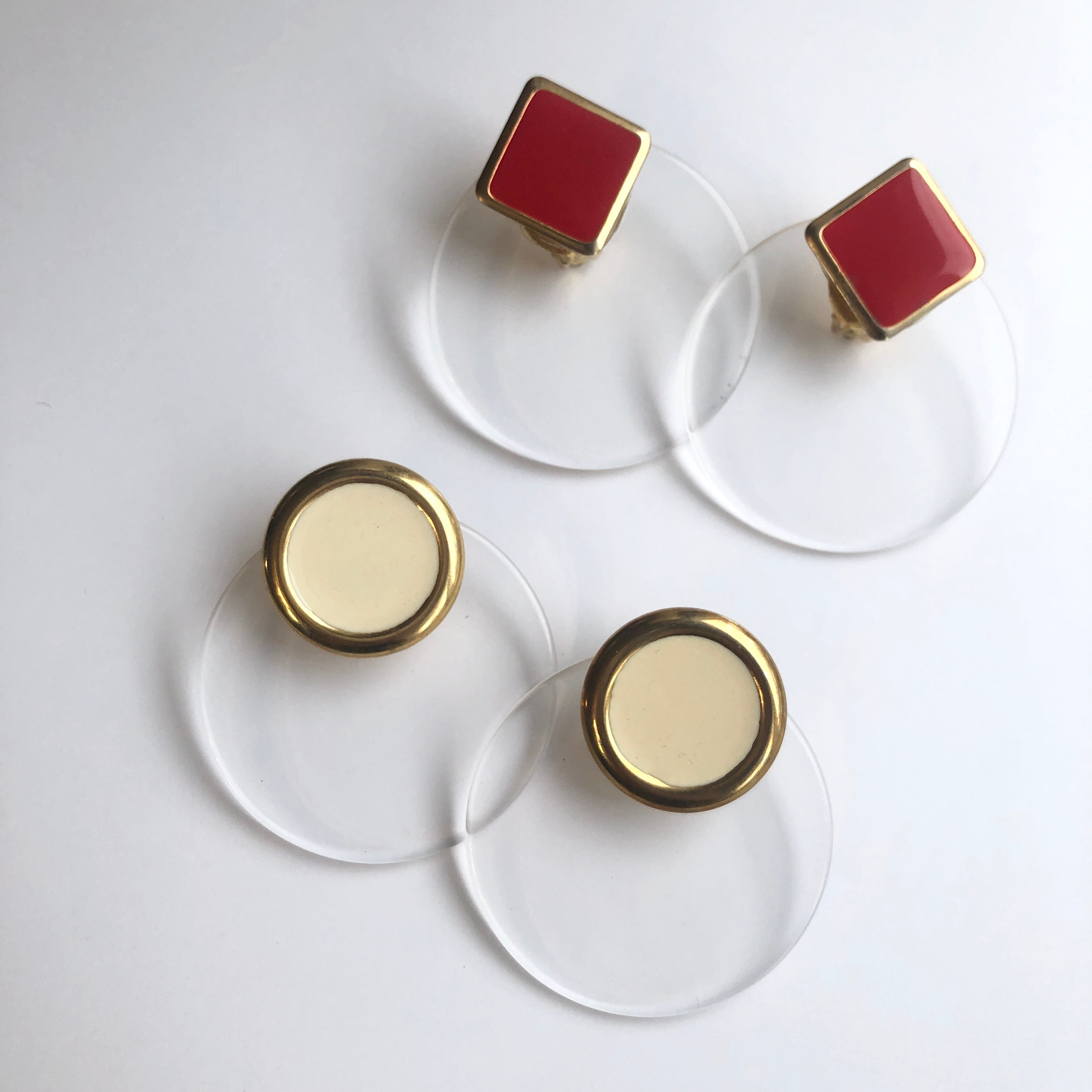 Lucite Disc earrings X-032