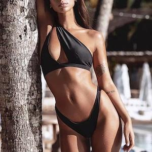 Bikini♡ワンサイドストラップビキニ ブラック