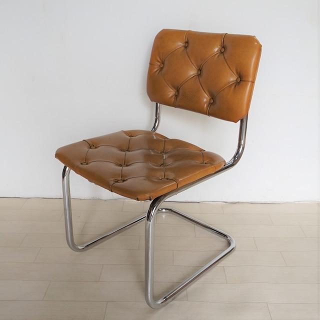コールドンブル― 椅子