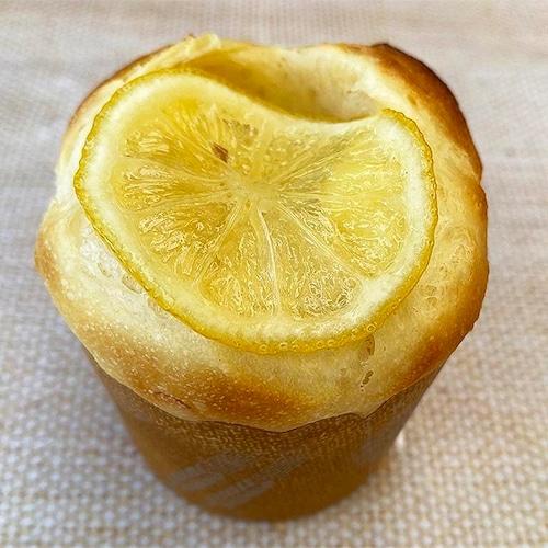 瀬戸内産レモンのクリームチーズパン