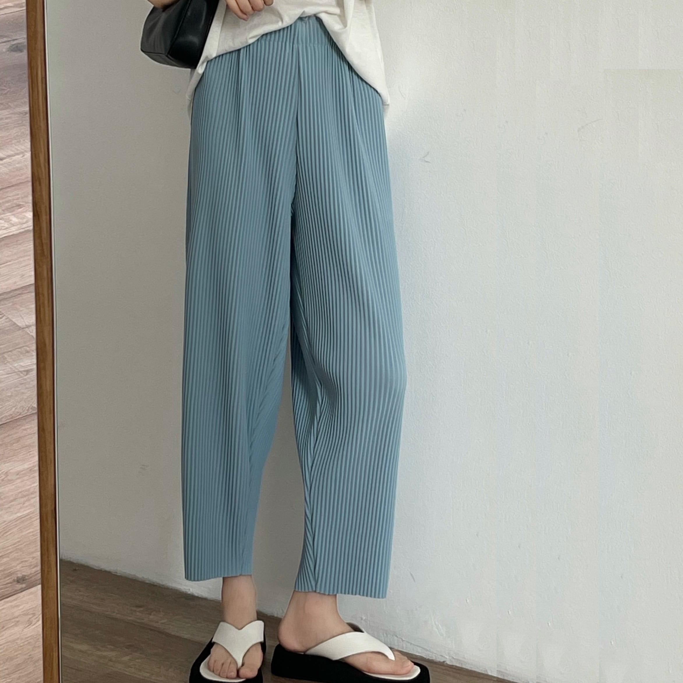 Pleats cropped pants(プリーツクロップドパンツ)b-323