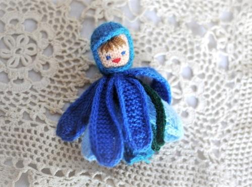 毛糸の天使 指人形 青い花の妖精 フィンガーパペット
