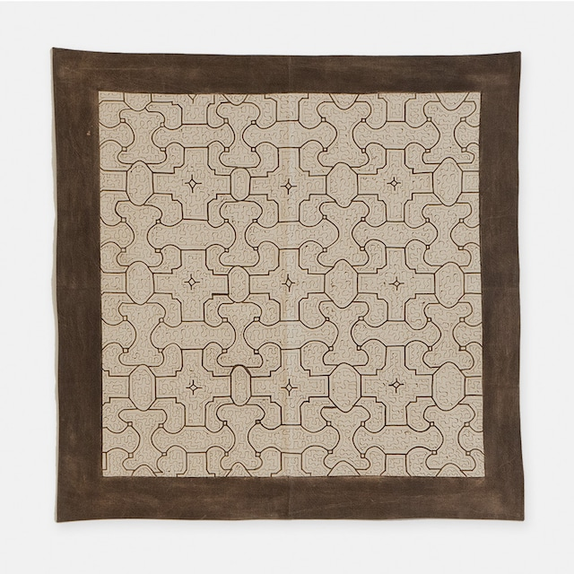 SHIPIBO TEXTILES シピボ族の泥染めの布 白 740×740mm S014