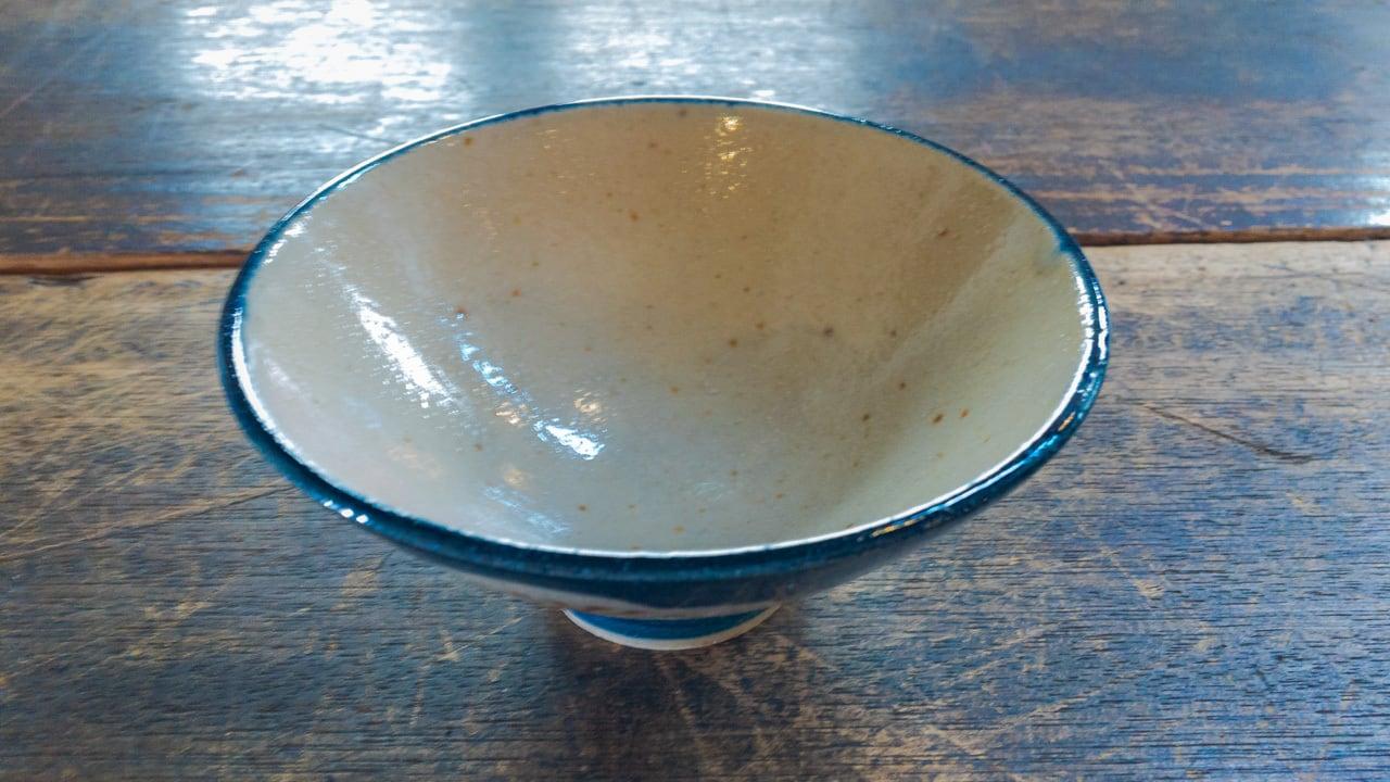 心優しき姉妹の藍色お茶碗