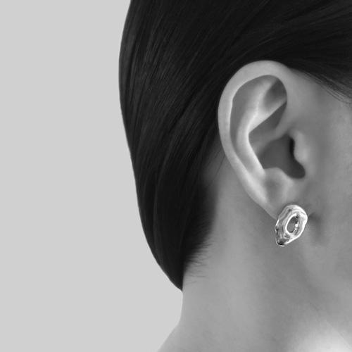 Tube colors pierced earrings