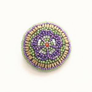 ビーズ刺繍 ブローチ 紫梅