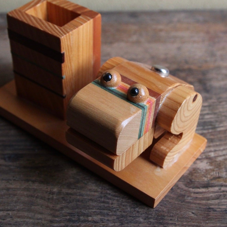 木製 カエルの楊枝入れ