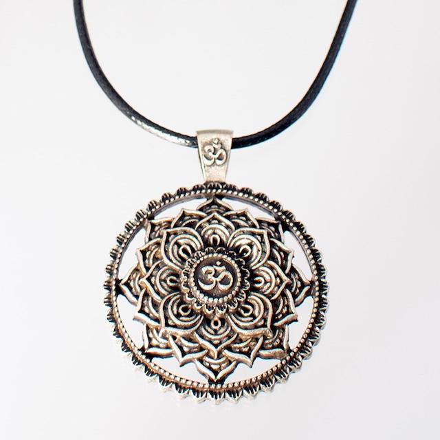 ネックレス マンダラオム Necklace Mandala Om