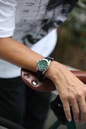 おしゃれ&タフなソ-ラ-腕時計|SS03BK